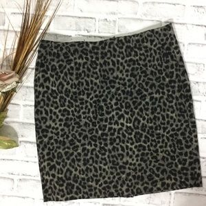 Cabi gray leopard skirt with pockets 12